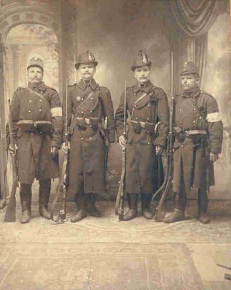 csendorok_1915.jpg