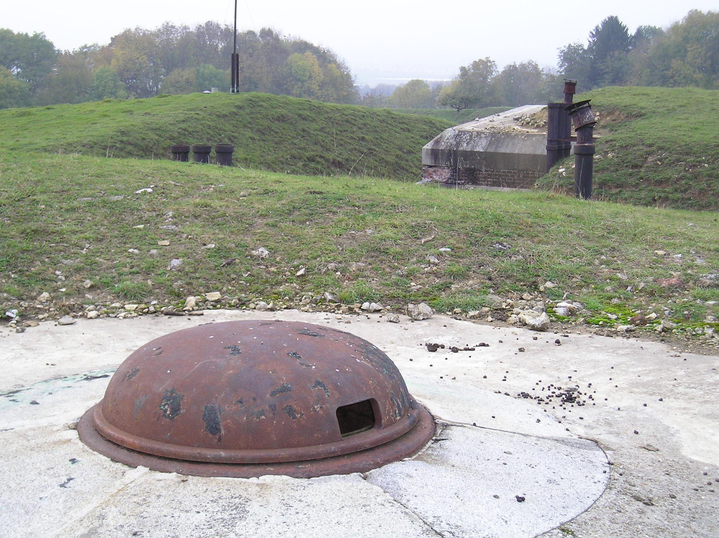 fort_prinz_karl_gepanzerter_beobachtungsstand1893.jpg