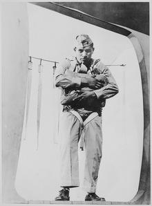 lossy-page1-220px-Pfc._Ira_H._Hayes,_a_Pima,_at_age_19,_ready_to_jump,_Marine_Corps_Paratroop_School,_1943_-_NARA_-_519164.tif.jpg