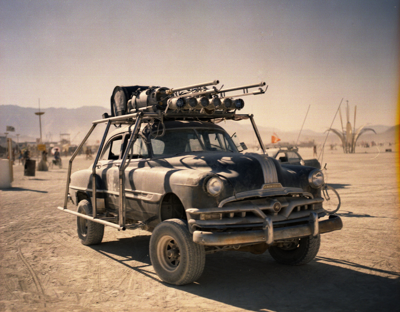mad_max_4_fury_road_2015_possible_vehicle_by_maltian-d7tshvv.jpg