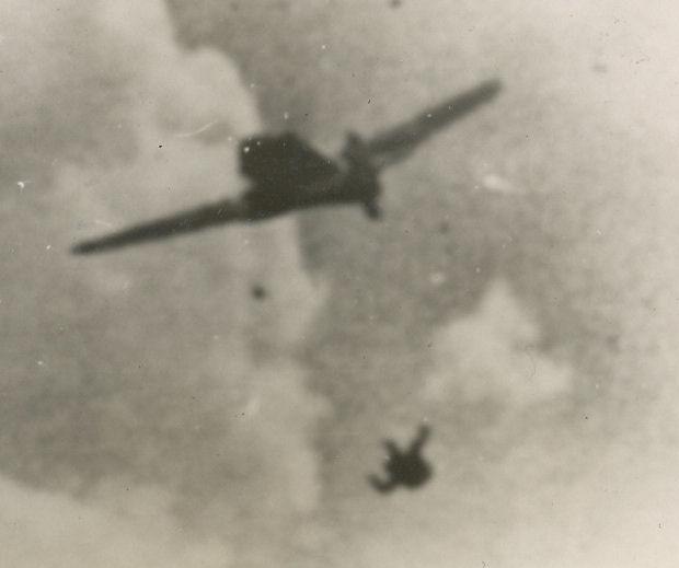 fw190-chute.jpg