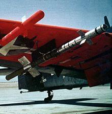 220px-heat-homing_rocket_on_ad_skyraider_c1952.JPG