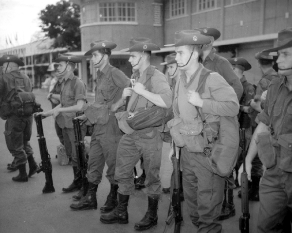 Troops_of_Royal_Australian_Regiment_After_Arrival_at_Tan_Son_Nhut_Airport.jpg