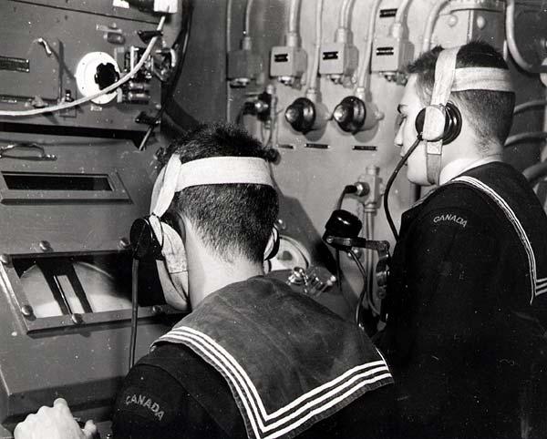 canadian-sailors-asdic.jpg