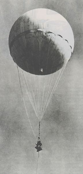288px-Japanese_fire_balloon_moffet.jpg