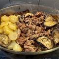 Sertéshús-csíkok padlizsánnal, sütőben - házi gyros