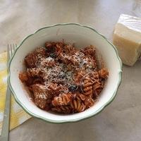Gyors húsos-padlizsános tészta