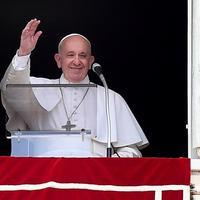 Papst im Fahrstuhl (B2)