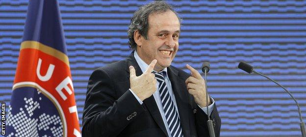 Újabb erkölcsi mélységet ért el az UEFA. A szervezet harmincezer eurós  pénzbírságot szabott ki a BL győztes Barcelonára. A bűn  A döntőn szurkoló  katalán ... 2dc1dac76a