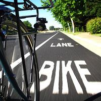 Észak-Amerikában a cégek és a városok is versenyt futnak a biciklisták kegyeiért