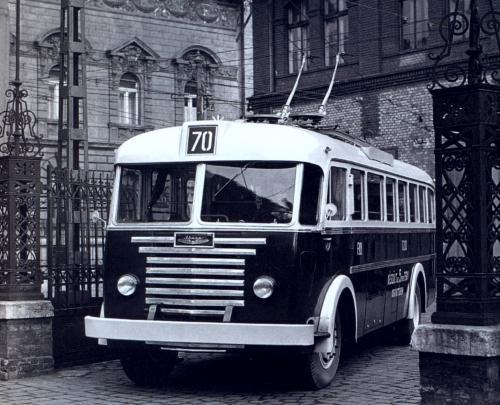 70-.jpg