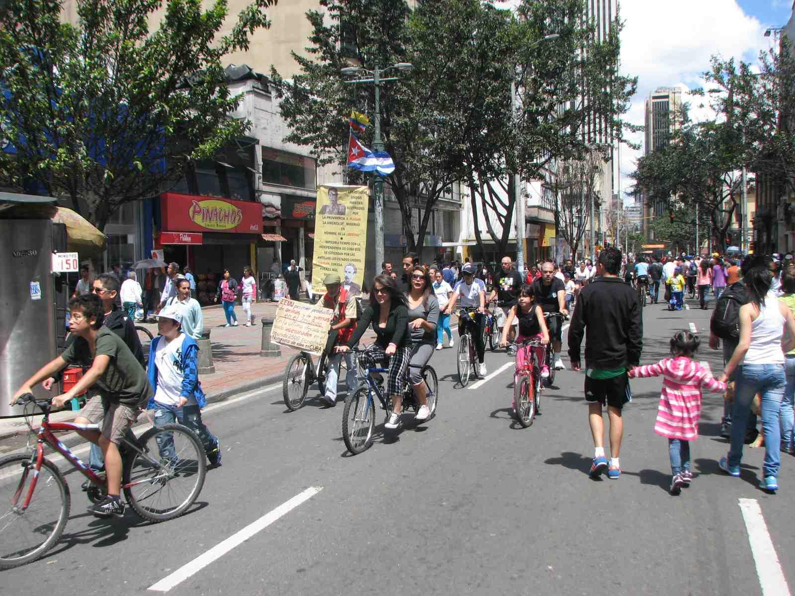 ciclovia riders.JPG