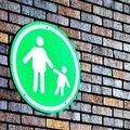 Az egyedülálló szülők esete a Központtal