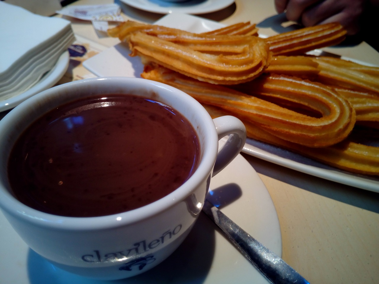 churros-with-chocolate-1114343_1280.jpg
