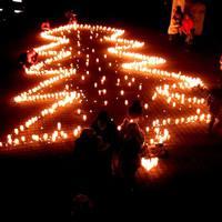 Hogyan karácsonyoztok Ti? -Mécses Fesztivál a DE-ÁJK hallgatójának szervezésében