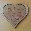 Szív puzzle fából mint esküvői meghívó