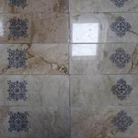 Fürdőszobai dekoráció - kőgravírozás
