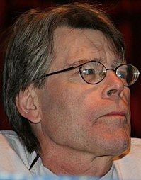 200px-stephen_king_comicon.jpg