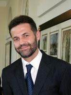 george_and_laura_bush_with_khaled_hosseini_in_2007_detail2.JPG