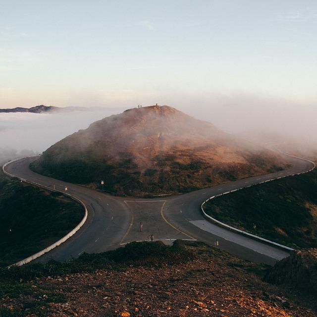 forking-road-839830_640.jpg
