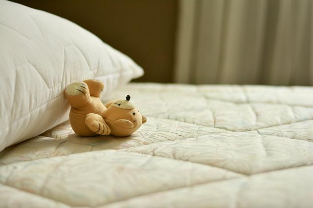 mattress-2489615_640.jpg