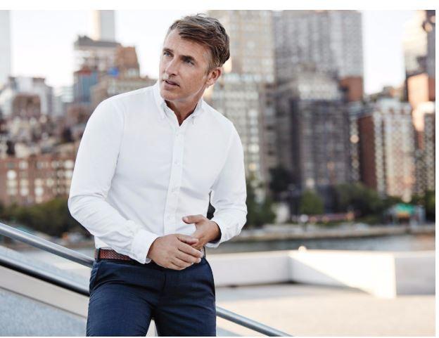 Laza ing - Szintén olyan, amit szeretsz.Itt is igaz, hogy meg kell találnod a hozzád illő ing stílusát. Olyat válassz, hogy ha az ember rád gondol össze tudjon kötni azzal a bizonyos inggel.