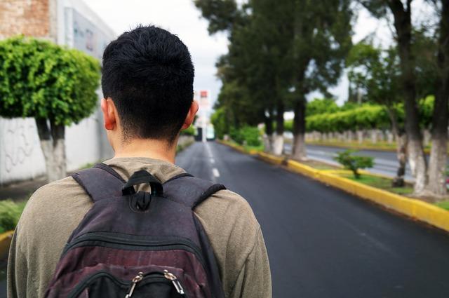 walk-3511276_640.jpg