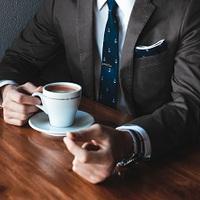 6 módszer, amivel szó nélkül tekintélyt parancsolhatsz!