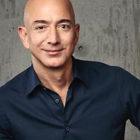 Mi motiválja a világ leggazdagabb emberét, Jeff Bezost?