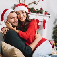 8 tipp, hogy nyugodt maradj, ha karácsonykor találkozol először a párod családjával