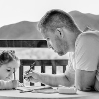 Így befolyásolja a szüleiddel való kapcsolat az életedet!