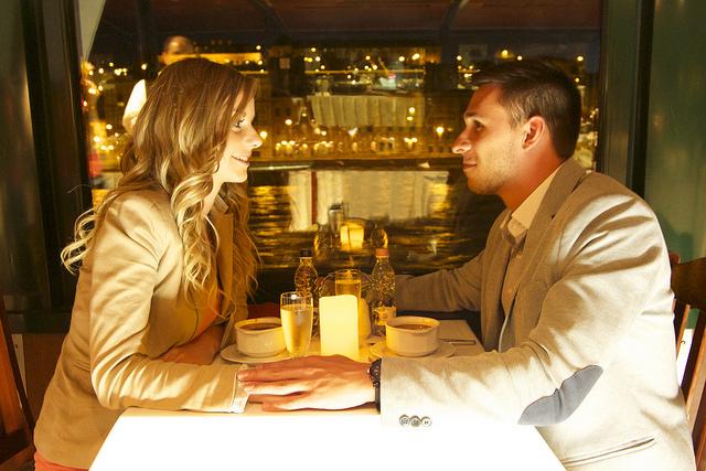valentin-napi-hajos-varosnezes-elozenevel-es-svedasztalos-vacsoraval-original-73196.jpg