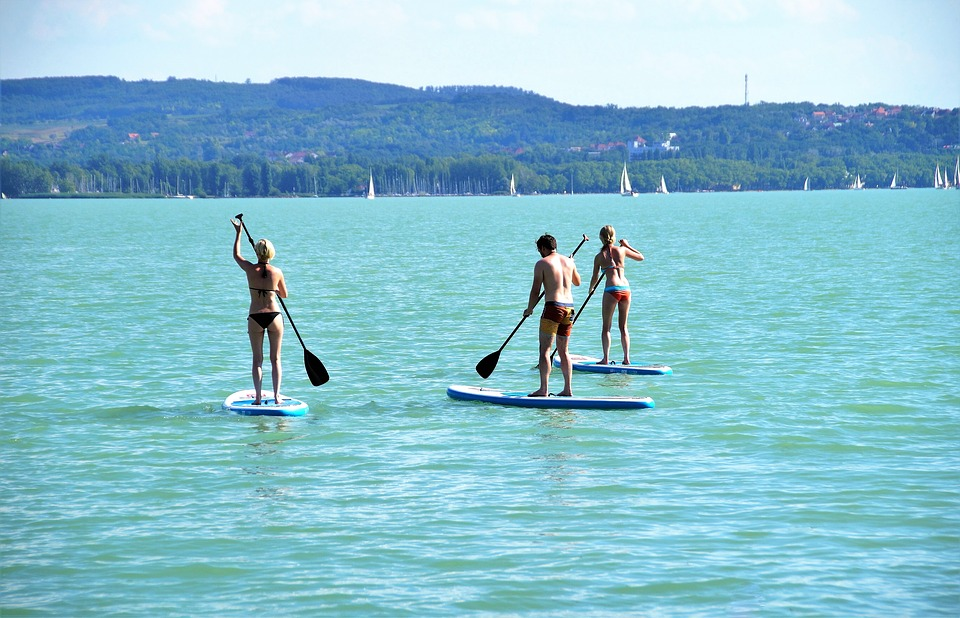 stand-up-paddle-1545481_960_720.jpg