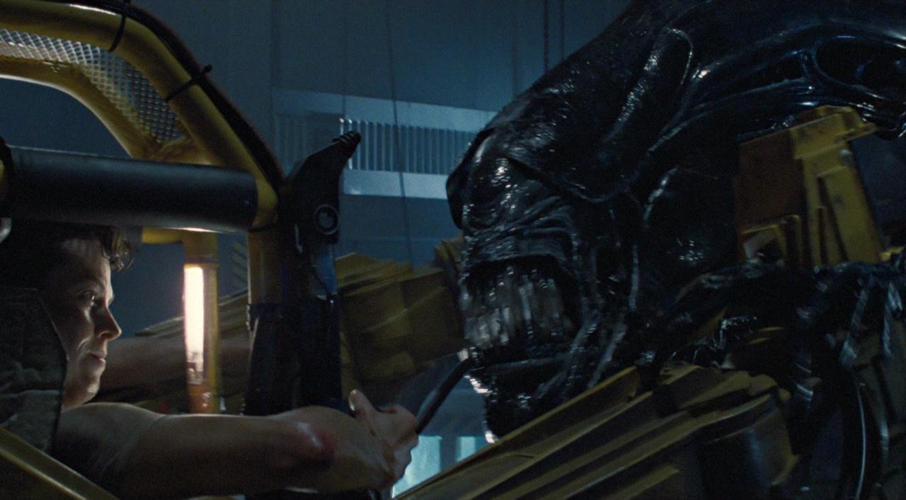 aliens_ripley_vs_queen.jpg