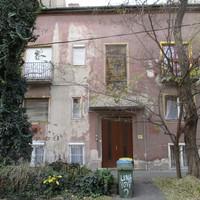 A tér régi házai: Limanova tér 2.
