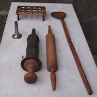 Öreg fából készült eszközök - konyhai használati tárgyak