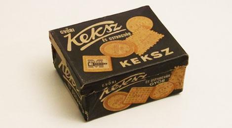 A Győri Keksz és Ostyagyár közel 60 éves Sire kekszes doboza