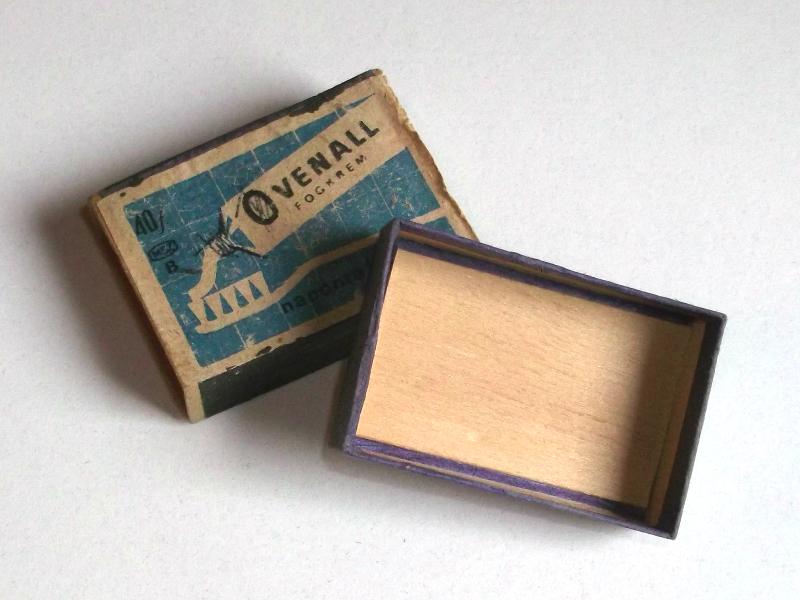 A gyufaszálakat tartalmazó dobozka vékony falemezből készült