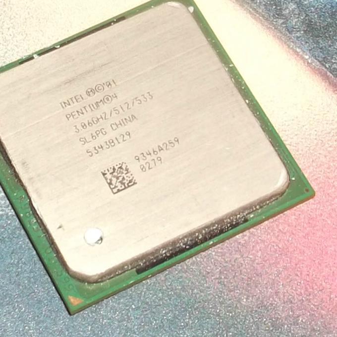 Intel Pentium 4 CPU 3.06 GHz laptop processzor sl6pc 5343b129
