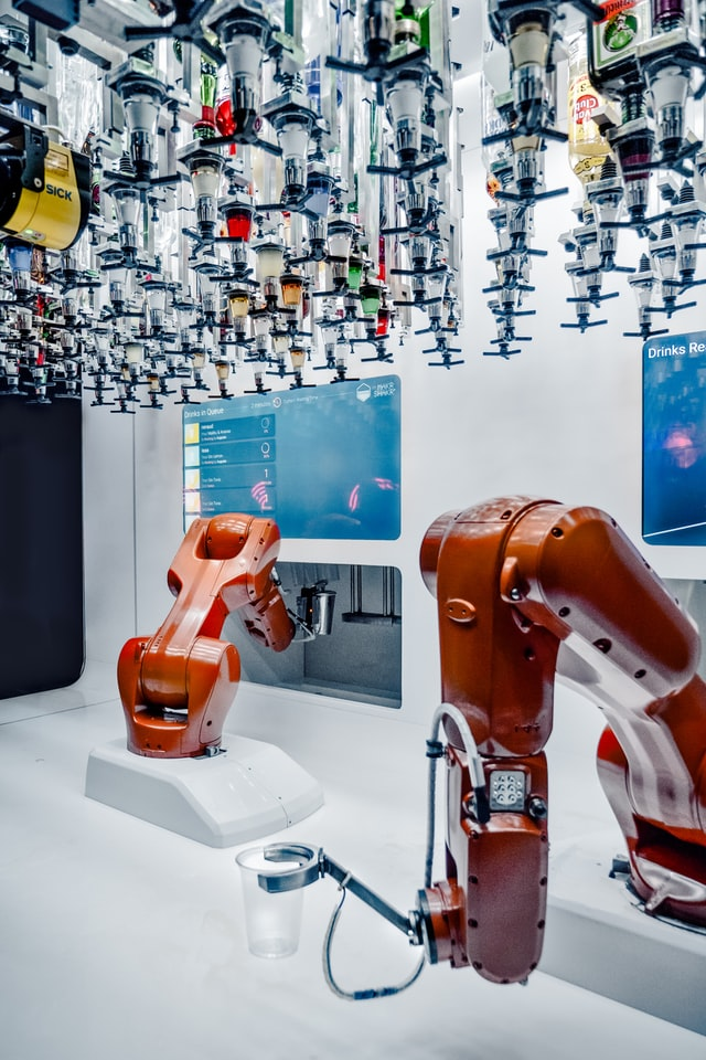 udito-kiszolgalo-robot.jpg