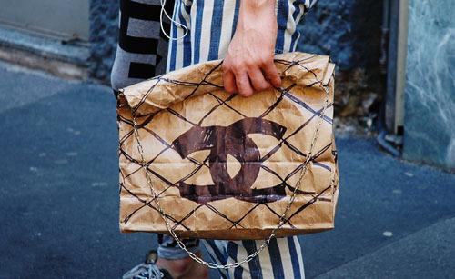 fake-fashion-chanel-bag-conterfeit-fashion.jpg