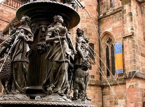 sculpture_12-fountain-of-the-virtues-nuremberg-germany-e1306422079196.jpg