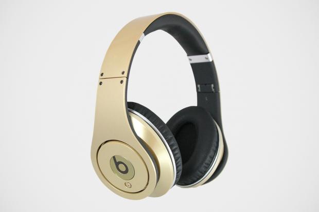 beats-team-usa-gold-medal-headphones-1-620x413.jpg