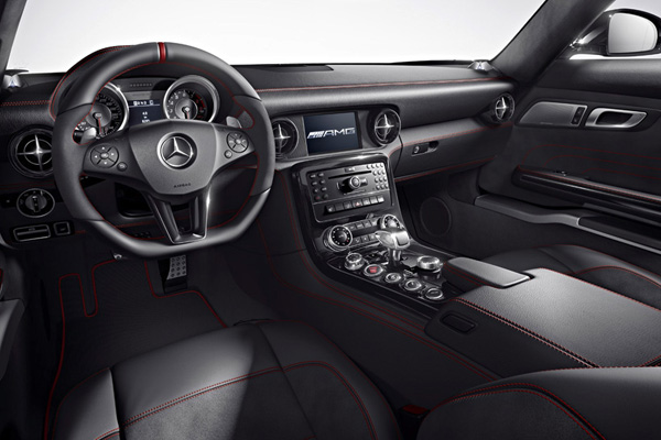 dashboard-2013-Mercedes-Benz-SLS-AMG-GT-2.jpg