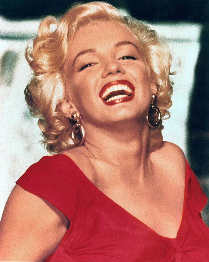 Nem tudtuk eldönteni, hogy Marilyn Monroe-t be tegyük-e a repertoárba, na de nem azért, mert nem illik ide, hanem azért, mert ő az a személy, aki azonnal az eszünkbe jut, ha a témáról van szó: túl egyértelmű.