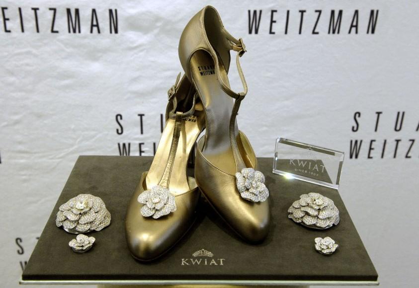 8_stuart-weitzman-shoes-retro-rose-pumps-most-expensive1-843x580.jpg