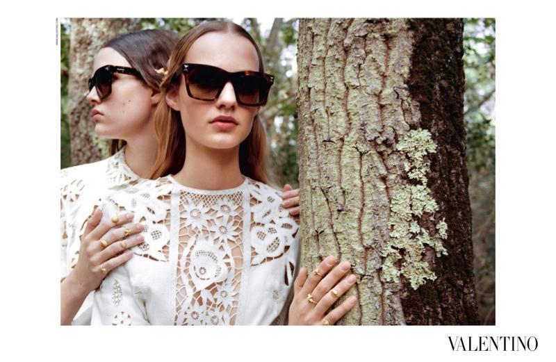 valentino-spring-summer-2015-ad-campaign10.jpg