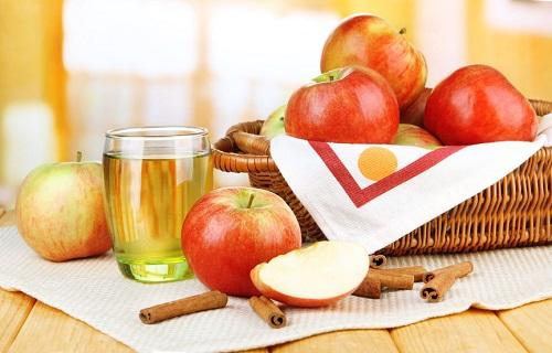 Apple-Cinnamon-Water.jpg