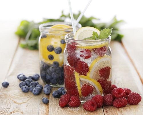 Raspberry-Blueberry-Water.jpg