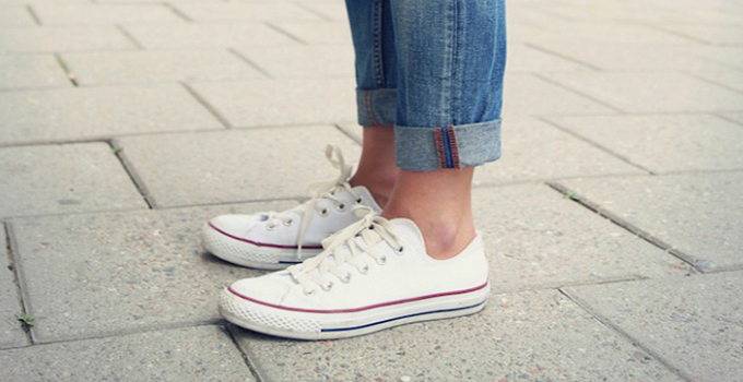 ps-i-love-fashion-white-converse-sneakers.jpg